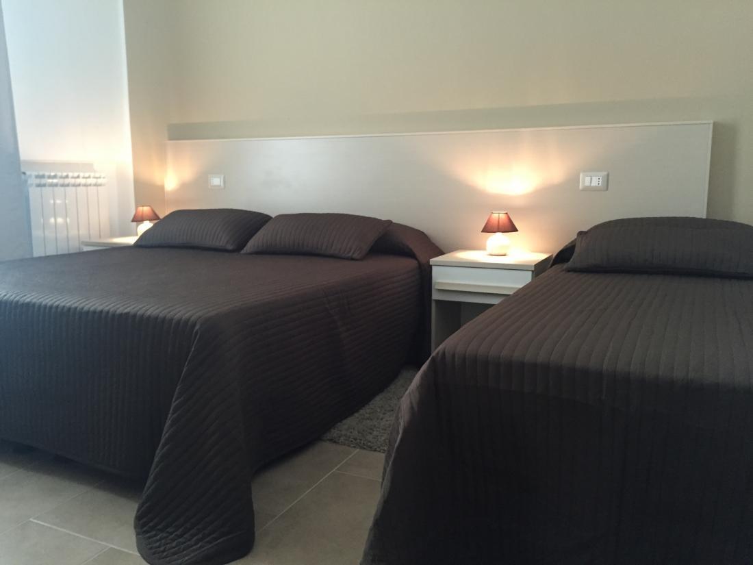 http://www.cairolibandb.it/media/com_jhotelreservation/pictures/hotels/11/IMG_0374.JPG